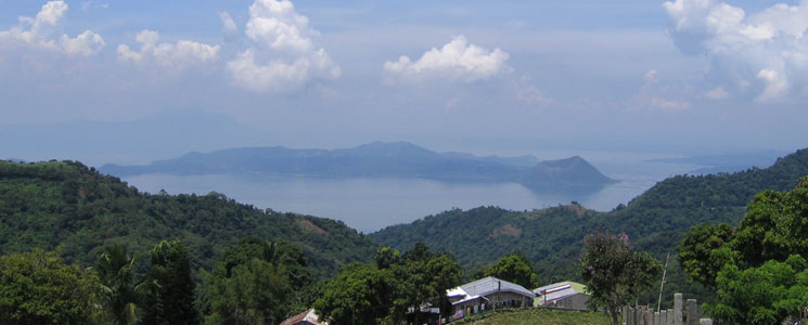 Lake Taal and Tagaytay Day Tour, Philippines